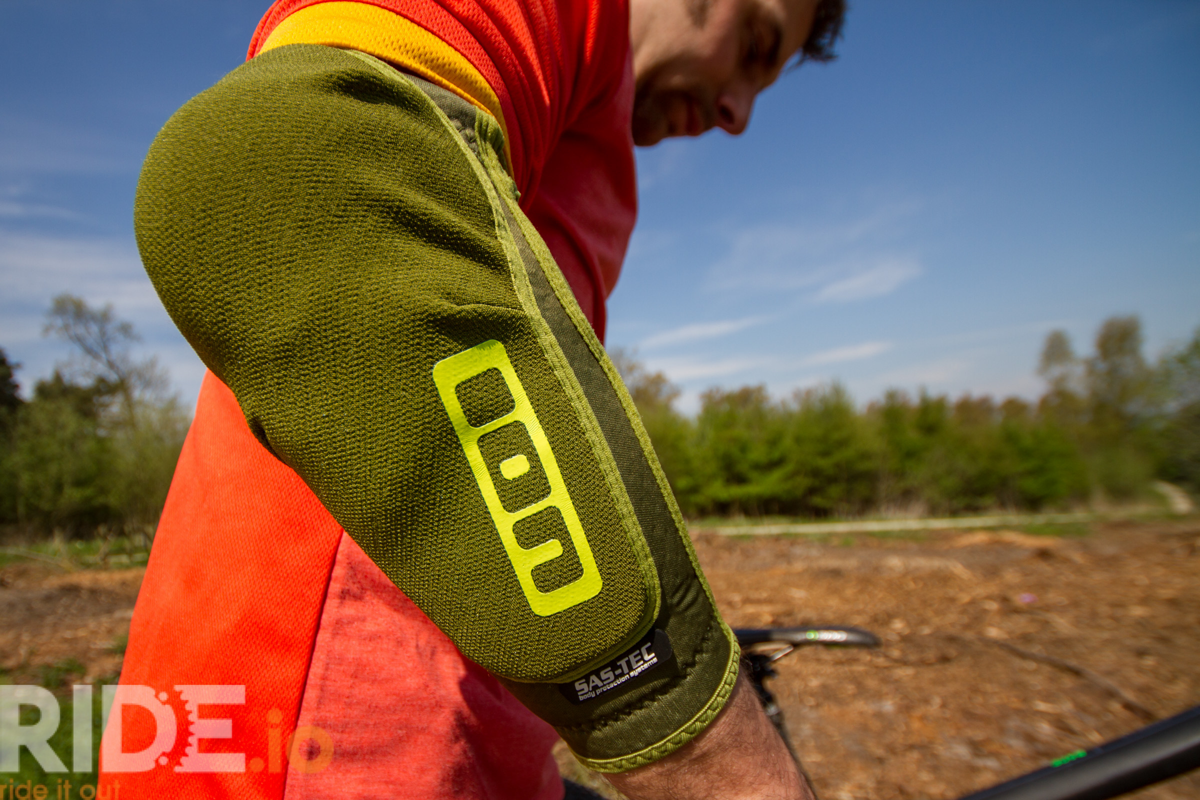 ION K-Lite/E-Lite Pads & GAT Gloves - Full Review - Ride It Out