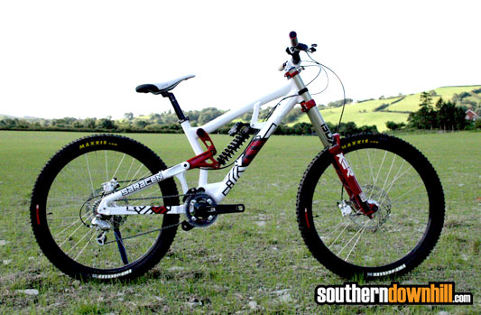 Saracen Myst Downhill Bike First Look Ride It Out